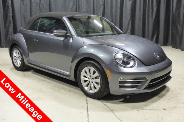 Pre-Owned 2018 Volkswagen Beetle 2.0T Coast