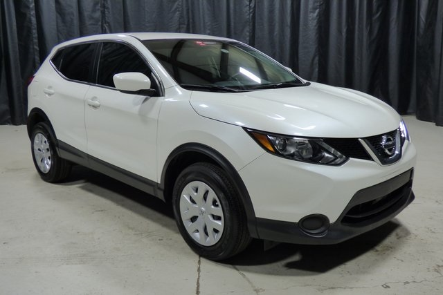 Certified Pre-Owned 2017 Nissan Rogue Sport S